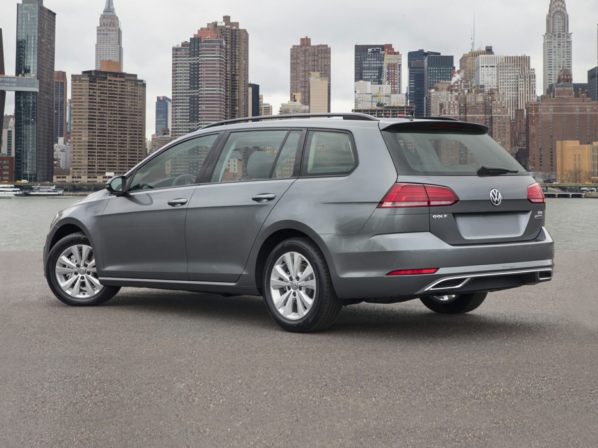 New 2018 Volkswagen Golf SportWagen SE 4D Wagon in Virginia Beach